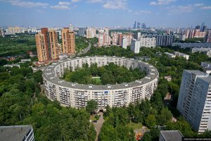 Во дворах необычных московских домов пройдут кинопоказы