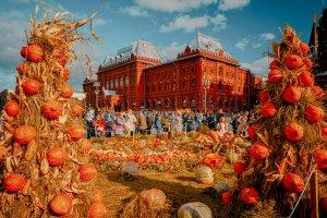 Трактора, мельницы и фолк. Что делать на фестивале «Золотая осень»