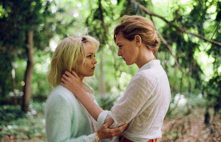 5 неожиданных фильмов о лесбийских отношениях