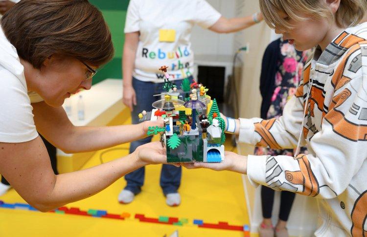 Идеи новогодних подарков от LEGO