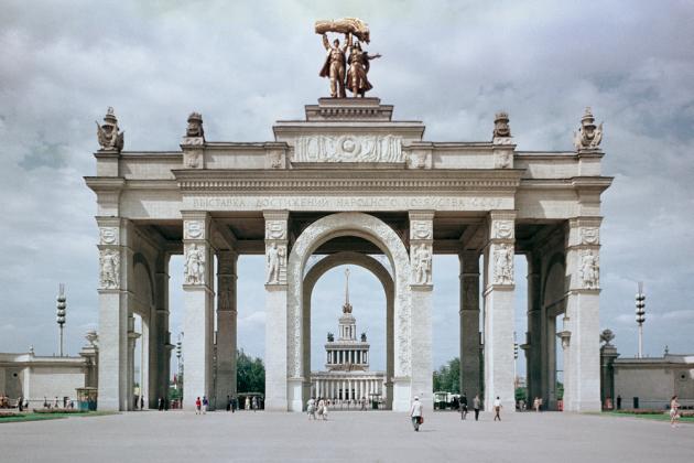 Время, которого больше нет: история ВДНХ в документальных фотографиях