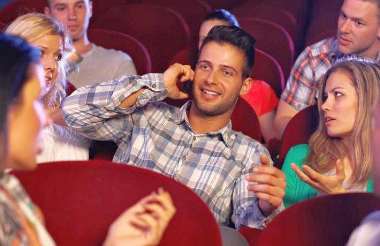 7 типичных посетителей театра, которые могут испортить даже прекрасный спектакль