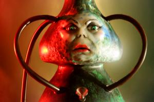 5 самых бредовых ужастиков, которые взрывают мозг