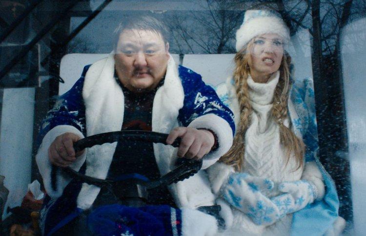«Кто я — Дед Мороз или священник»: как Снегурочки и Деды Морозы пережили Новый год