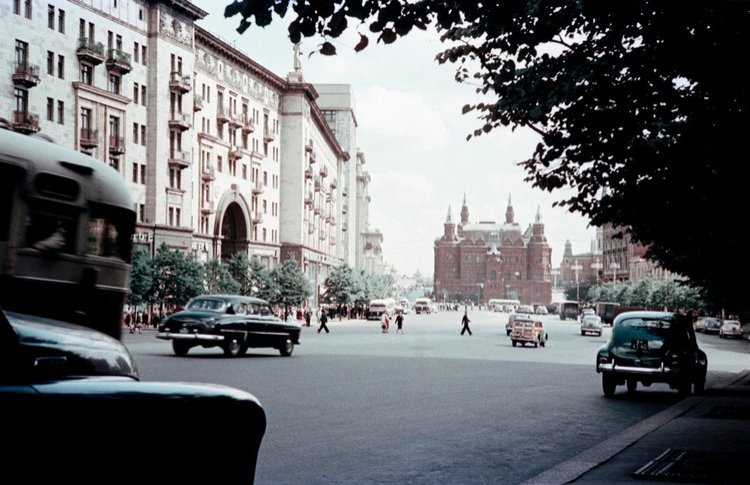 «Той, настоящей Москвы больше нет»: писатель Юрий Безелянский поделился воспоминаниями о столице 30-50-х годов
