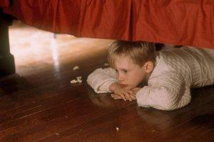 Что делали герои фильмов, если были вынуждены сидеть дома?