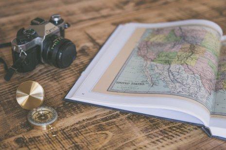Не летят туда сегодня самолеты: 7 книг, чтобы спланировать отпуск после карантина