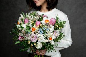 Чтобы букет радовал дольше: советы по уходу за цветами от KRAFT FLOWERS