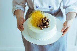 Где научиться готовить, не выходя из дома: 10 лучших онлайн-школ
