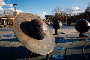 10 необычных памятников Москвы
