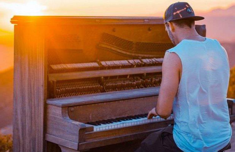 «Помогать кумирам скоро будет некому»: музыкальная индустрия в условиях пандемии