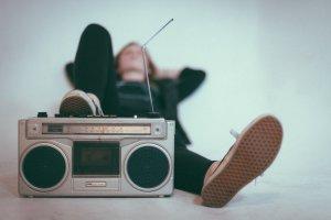 Музыка для сна: помогает ли она и как ее выбрать?
