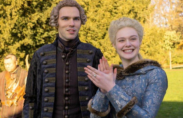 Черная клюква: смотреть или не смотреть сериал «Великая»?