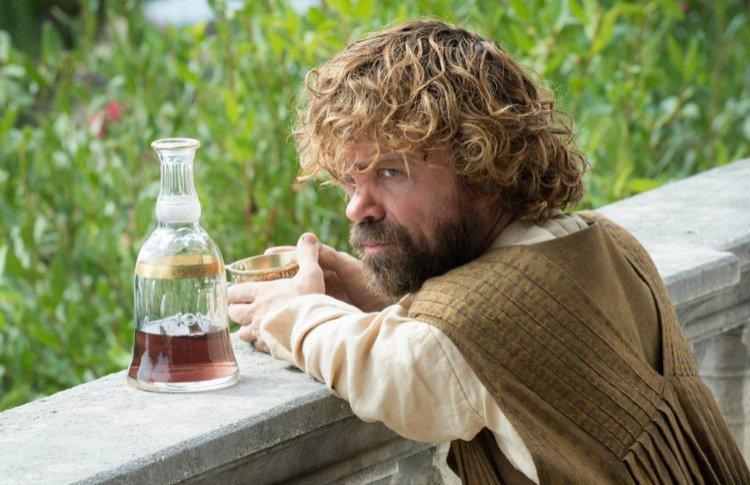 Алкоголизм в сериалах: 10 героев, которые не расстаются с бутылкой