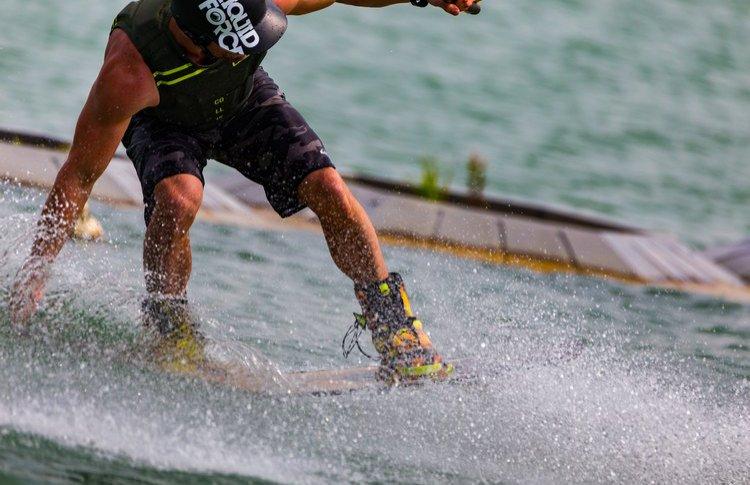Вейк-парк на ВДНХ открывает сезон: полетать над водой смогут люди старше 7 лет с любым уровнем подготовки
