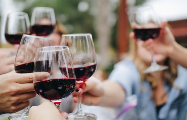 «Вина России» против «винных продуктов»: в России изменилась система продажи и маркировки вина