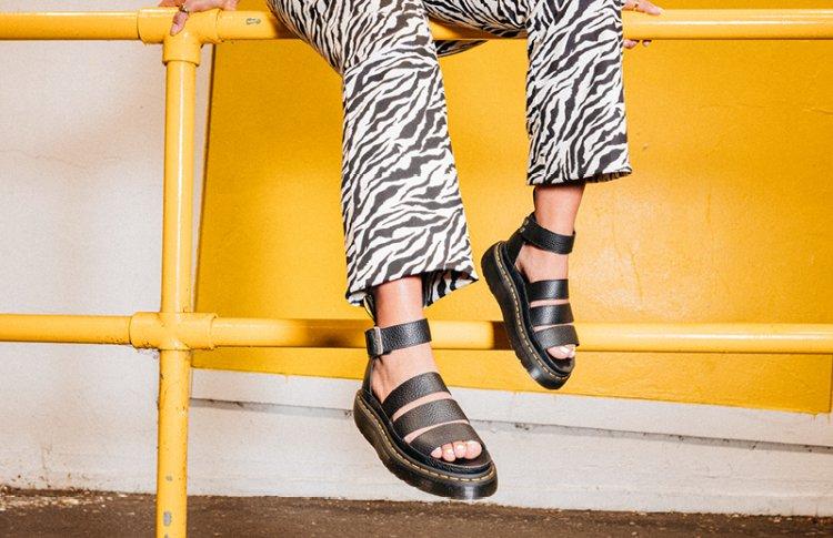 Dr. Martens представил обновленную коллекцию сандалий для города