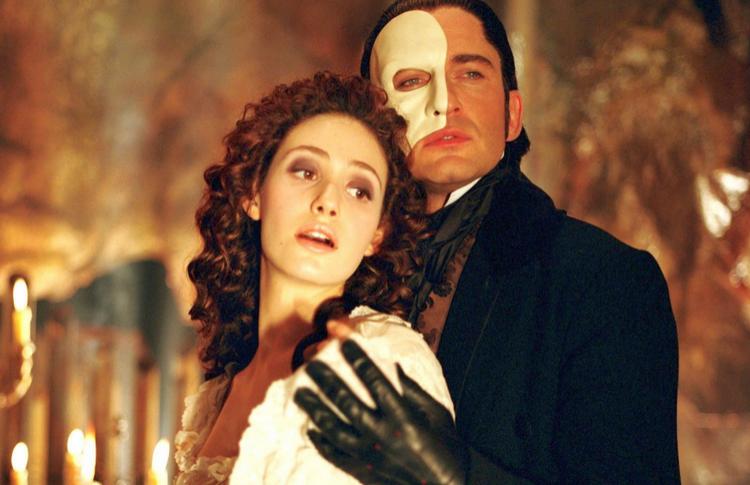 Вампиры, адвокаты и театралы: 10 главных фильмов Джоэла Шумахера