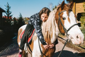 Москва на коне: 8 мест, где можно прокатиться верхом